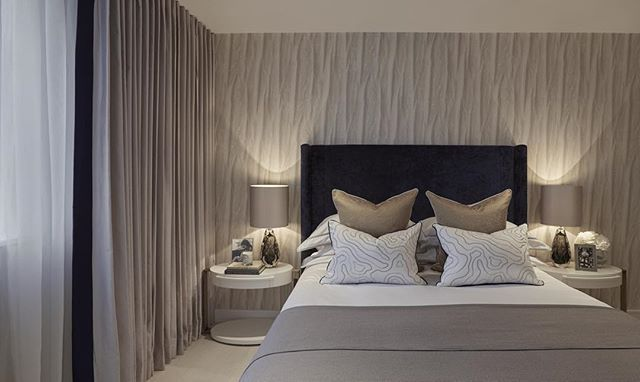 The guest bedroom at our Notting Hill project in tones of grey with navy and gold accents, one of my favourite colour palettes #interiordesign #interiorstyling #interiorarchitecture #luxuryinteriors #laurahammett
