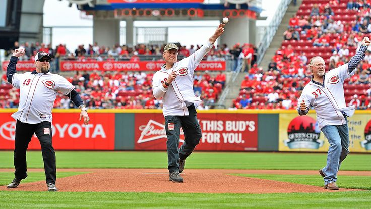 'Nasty Boys' lead Reds' Opening Day parade