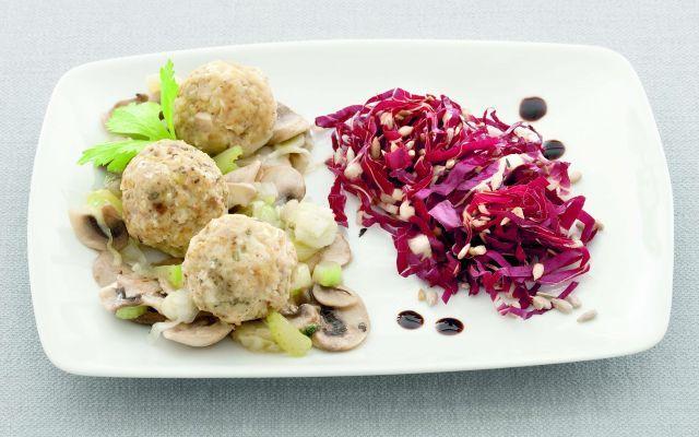 Canederli al tofu con funghi e radicchio - vegan