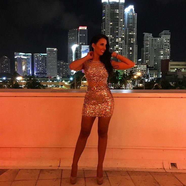 """25.6 mil Me gusta, 276 comentarios - Mariale Marrero (Mar) (@mariale) en Instagram: """"Miami nights ❤️ ------ Noches en Miami!! ❤️ y ya esta el ARREGLATE CONMIGO de este look!  link…"""""""