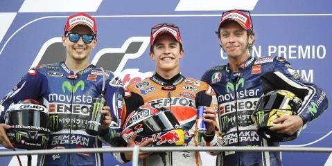 Marc Márquez, seis de seis. ¡Felicidades, campeón!.  El piloto catalán se lleva el GP de Italia en dura pugna con Lorenzo; Rossi, tercero.