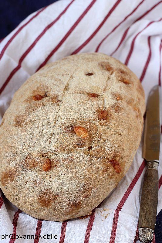 Pane con pistacchi e caciocavallo 4