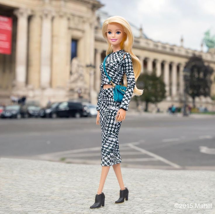 """""""All of the most fabulous shows take place at Le Grand Palais, c'est chic!  #pfw #barbie #barbiestyle"""""""