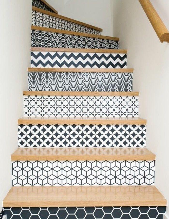 deco ecalier, contremarches à motifs géométriques, repeindre un escalier en noir et blanc