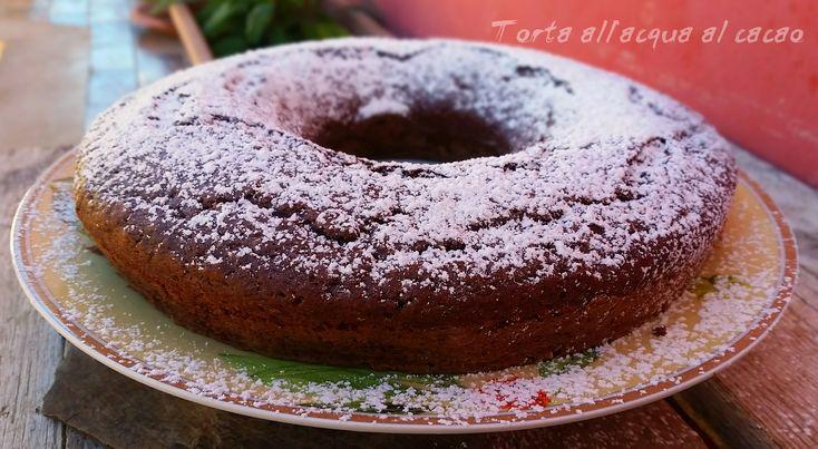 Torta all'acqua al cacao Volete preparare una torta super light , super veloce e super buona ?? Eccovi qua la Torta all'acqua al cacao , una morbidissima