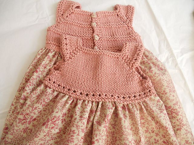 Lovely way to combine knitting and sewing skills...