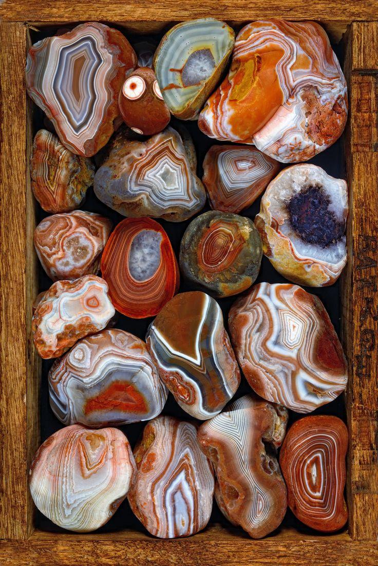 https://flic.kr/p/hYniJq | Big box of Lake Superior agates