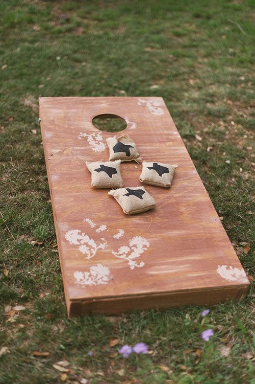Corn hole, a casual wedding classic | Brides.com