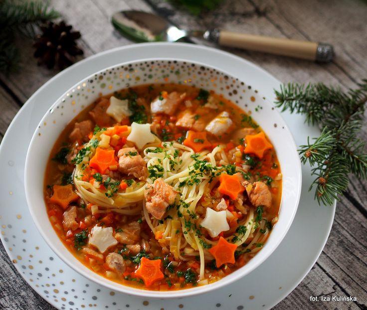 Smaczna Pyza: Zupa rybna z pstrągiem łososiowym