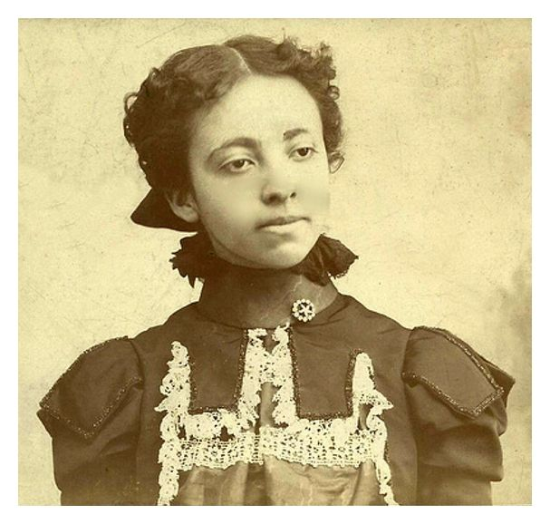 VINTAGE SEPIA BEAUTY | 1890s Black History Album: The Way We Were. 100 Years of African American Vintage Photography from the end of slavery in the 1860′s to the Black Power Movement of the 1960s and beyond. Pinterest | Tumblr | Twitter  | Facebook.