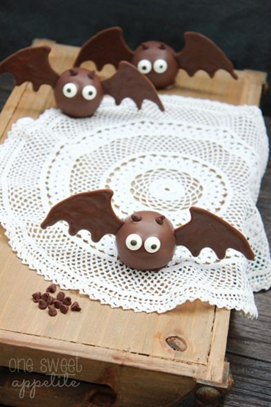 Easy Bat Oreo Truffles