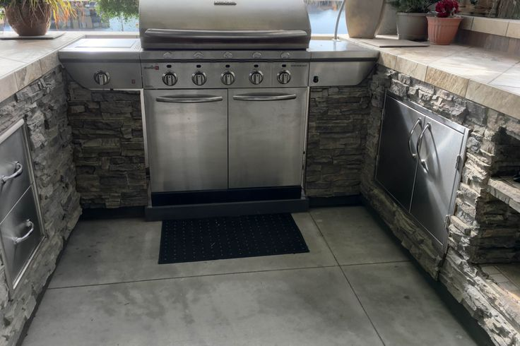 Panel Design Ideas in Photos | Brick, Rock and Stone ... on Rock And Stone Outdoor Living id=90623