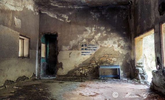 rhodos rhodes greece abandoned ruine ruin flag photography