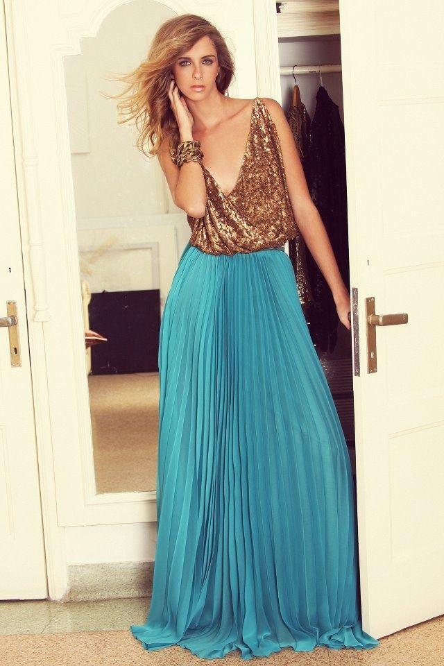Brand: No Pise La Grama. Pleated maxi skirt turquoise / blue with sequin body #fresh #style #dressinspo dress inspiration   Falda plisada larga con body de lentejuelas  #vestidos #inspiración #elegante
