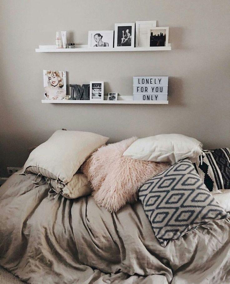 Adorable 60 Dorm Room Decorating Ideas on A Budget https://rusticroom.co/2892/60-dorm-room-decorating-ideas-budget