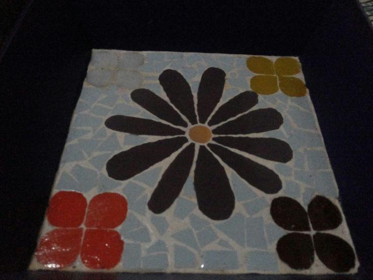 Mosaico en bandeja cuadrada..