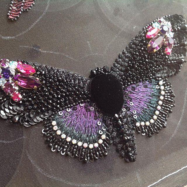 Большая и красивая бабочка скоро кого-то порадует#Butterfly #fashion_embroidery…