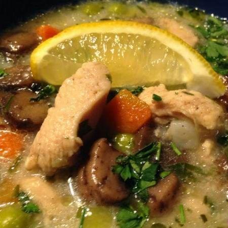 Egy finom Tárkonyos csirkeraguleves gazdagon ebédre vagy vacsorára? Tárkonyos csirkeraguleves gazdagon Receptek a Mindmegette.hu Recept gyűjteményében!