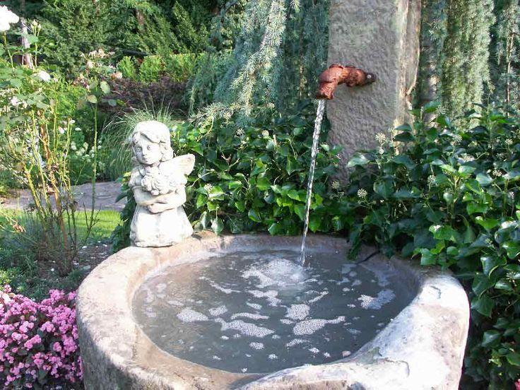 Une auge transform e en fontaine id es jardin pinterest for Decoration exterieure fontaine terrasse