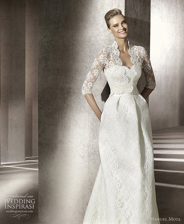 Now this is tres elegant - very Grace Kelley , very Katherine ...great gown for a older bride - beautiful and elegant