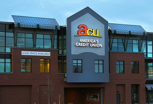 America's Credit Union teaches JBLM students to save