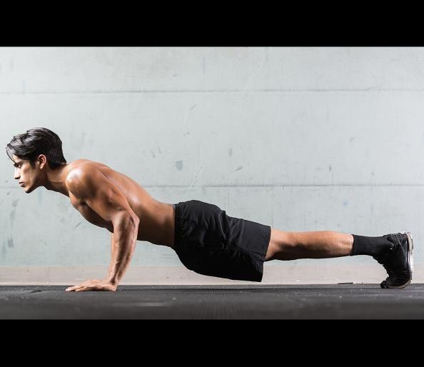 CrossFit WOD 1  - 5 Best CrossFit Workouts for Traveling - Men's Fitness