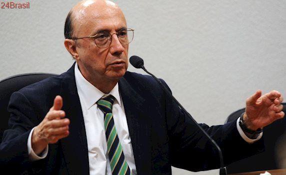MEDIDAS AMARGAS: Governo anuncia fim das desonerações na folha de pagamento e confirma vedação a concursos
