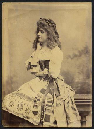 Hanna, J.R. (ca. 1890) Auckland Amateur Theatricals [girl in costume]. Auckland War Memorial Museum. Call no. DU436.12 G88.6