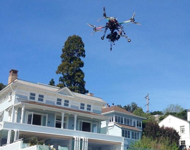 Drones will deliver champagne to guests at a hotel in California