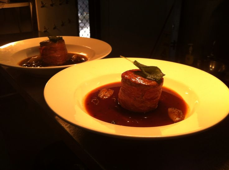 Prociutto wrapped eye fillet w/ juniper berry jus