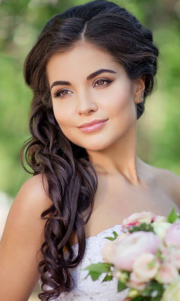 24 Most Romantic Bridal Updos And Wedding Hairstyles ❤ See more: http://www.weddingforward.com/romantic-bridal-updos-wedding-hairstyles/