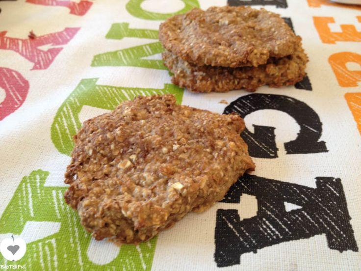 Ja, het is mogelijk om simpele en gezonde koekjes te bakken met havermout en banaan! Drie ingrediënten en dan nog zo lekker, wat wil je nog meer?