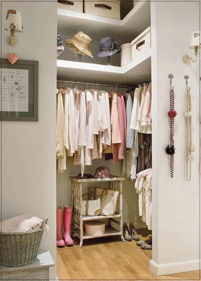 Даже в маленькой квартире гардеробной — быть! Делимся секретами, как выкроить пространство и рассчитать удобные размеры.