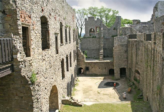 Kudy z nudy - Hrad Hukvaldy - největší hradní zřícenina na Moravě