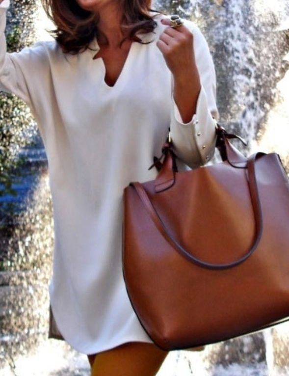 The handle & style of this bag though ... heavenly !
