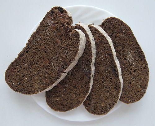 """Хлеб полуржаной пряный на квасной гуще: kavolekat. Продолжу тему полуржаного хлеба на """"закваскозаменителях"""". В связи с выходом на работу, я почти полностью перевела выпечку с ржаной закваски на квасную гущу (см.…"""