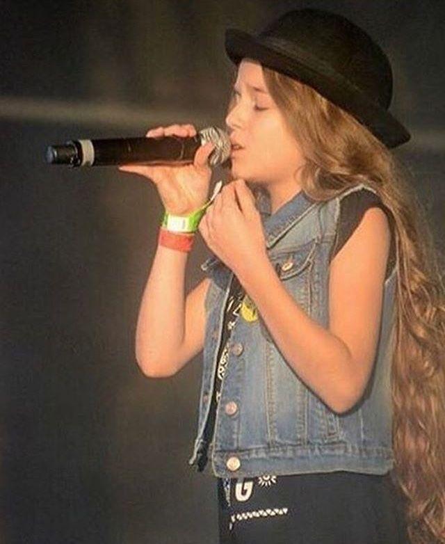 Salut♥️ je suis fane des Kids United 🔥et mon musical.ly : @norinebi