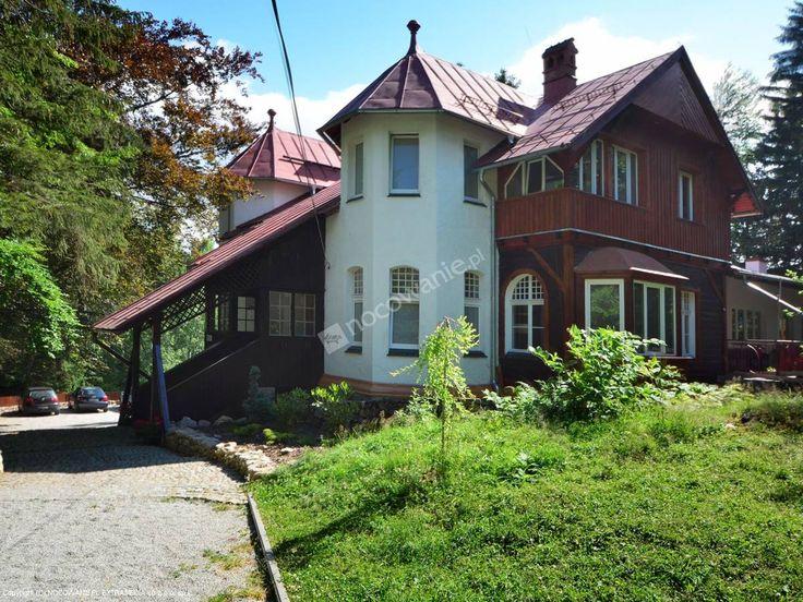 Hotel Krokus powstał z chęci stworzenia wyjątkowego miejsca spotkań ludzi. Szczegóły oferty: http://www.nocowanie.pl/noclegi/karpacz/hostele/130216/