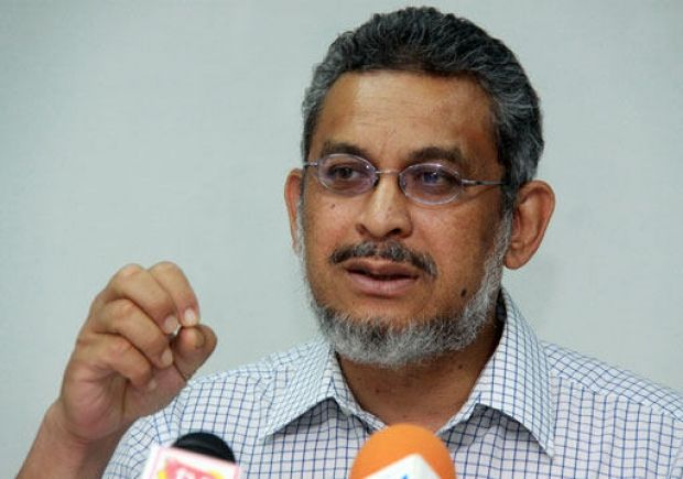 Umno sec-gen distances party from Parliament riot, condemns Khalid's actions