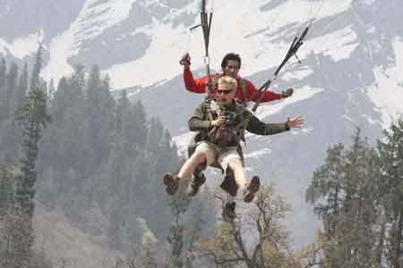 Kullu Manali paragliding
