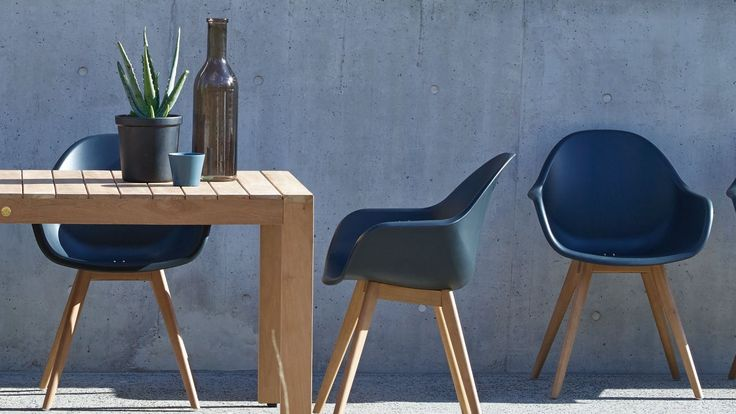 Home :: Outdoor :: Outdoor Dining :: Chairs :: Montreux Carver Chair - Black