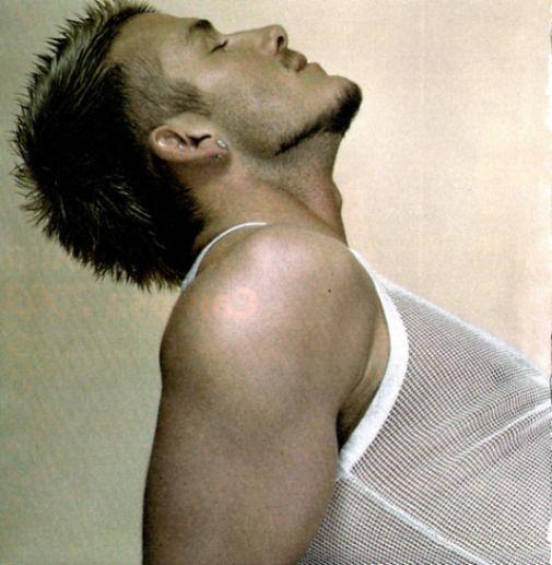 David Beckham en El País Semanal, no. 1,391. Domingo 25 de mayo de 2003. mmmmhhh...