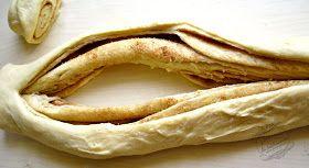 Recette de brioche russe à la cannelle : une délicieuse brioche tressée, fourrée de cassonade et de cannelle qui change des brioches ordinaires !