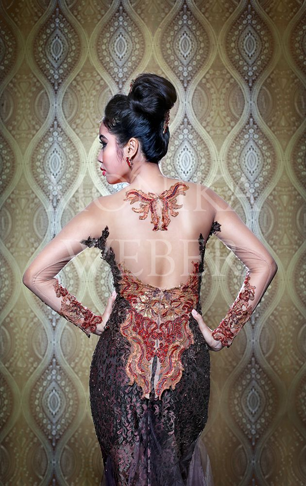 Exotic Persia Brown Red Gold Kebaya