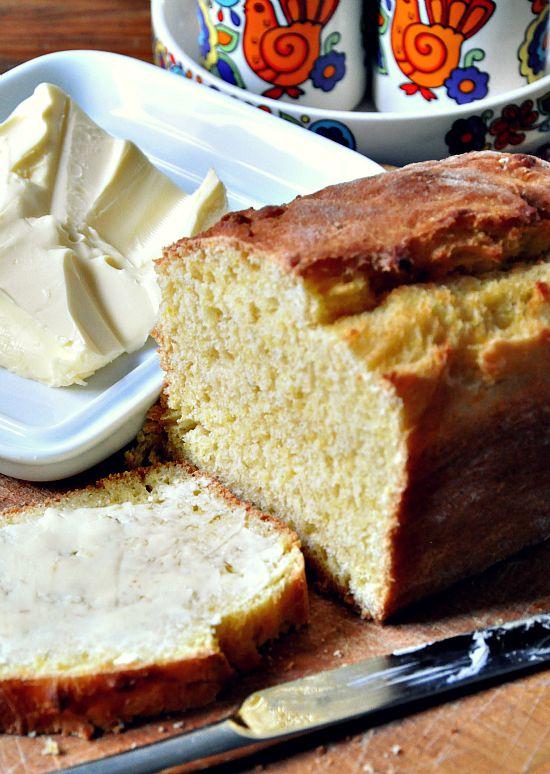 Kürbis mit einer feinen Ingwer-Note, einem Hauch Zitrone und einen Anklang von Buchteln. Eigentlich nicht richtig süss, da eher eine Mischung zwischen Brot und Kuchen. Mir schmeckt er am besten war…