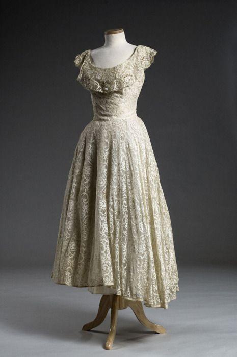 History Of White Wedding Dresses : White lace wedding dress marie of pandora