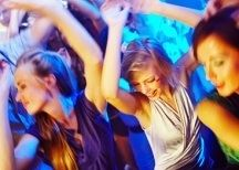 Sing and Swing party. Heerlijk dansend de avond door terwijl je uit volle borst meezingt.