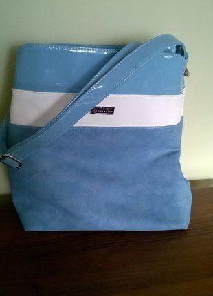 Kup mój przedmiot na #vintedpl http://www.vinted.pl/damskie-torby/torby-na-ramie/15652072-niebieska-torebka-miesci-a4-z-kosmetyczka