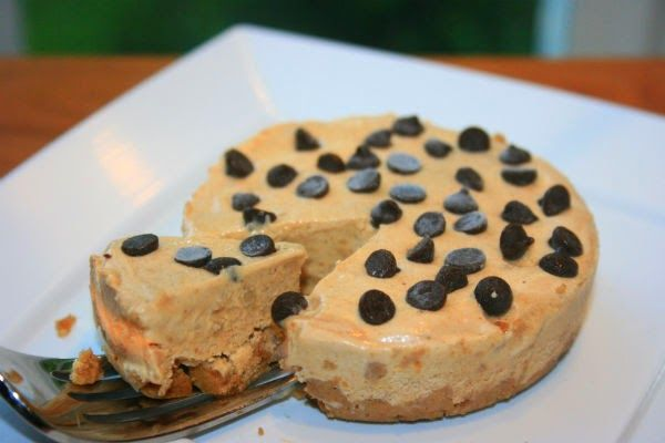 "DELICIOUS ""Party for One"" No-Bake Peanut Butter Pie (gluten-free, dairy-free, low calorie, vegan single-serving)"
