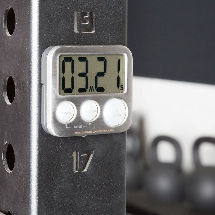 Wie viel Zeit investierst du in dein Training? Egal, ob du eine Stoppuhr oder einen Countdown benötigst, ob du deine Zeit beim Boxen, Sprinten oder beim Cardio Workout messen willst. Dieses praktische Helferlein lässt dich garantiert nicht im Stich. http://www.megafitness-shop.info/Warenkorb/Workout-Timer-Stoppuhr--4024.html